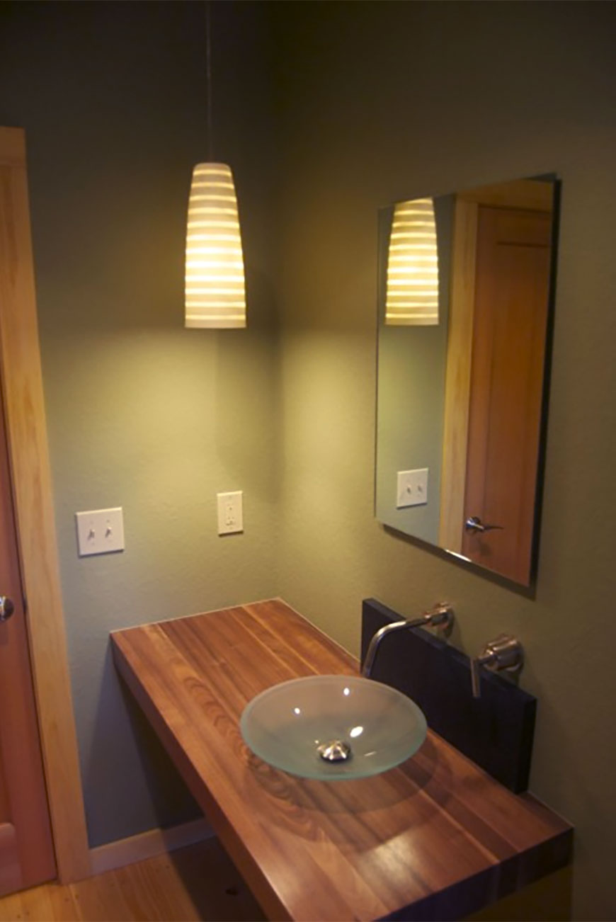 Simple bathroom design for mountain home